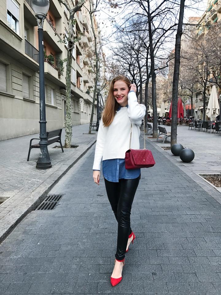 look con leggins y blusa jean