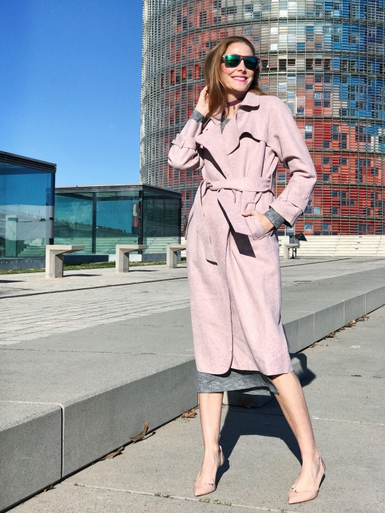 Pink trench look