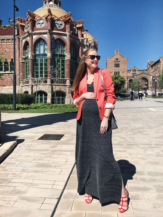 look-with-grey-long-dress-and-blazer