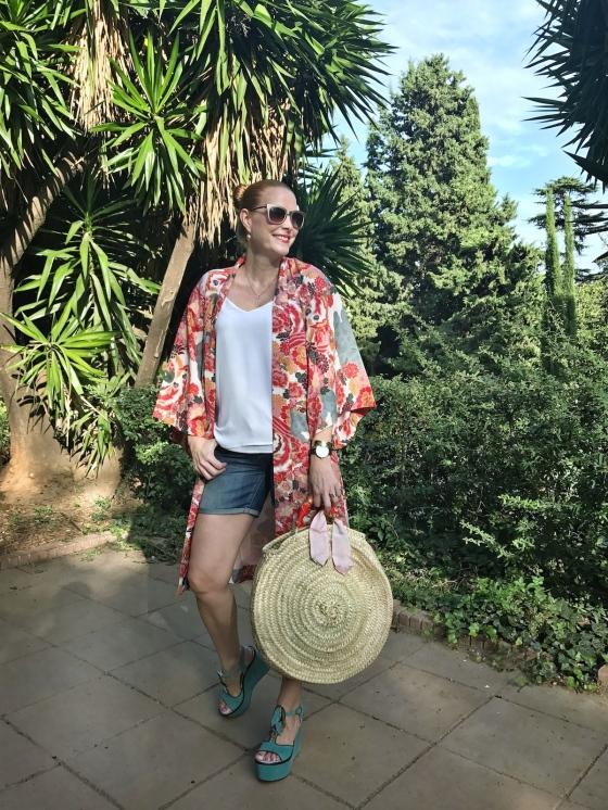 Look-con-capazo-y-kimono