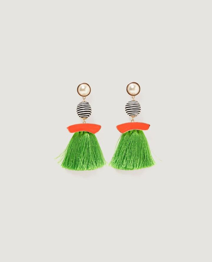 Pendientes-perla-y-flecos-Zara
