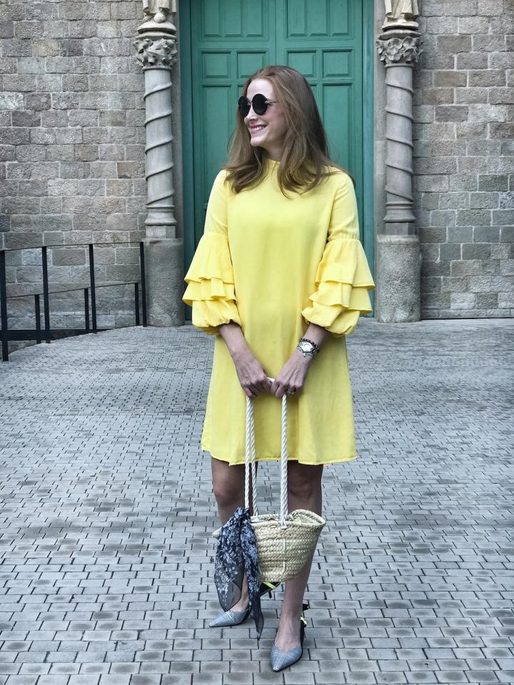 Look-con-mini-capazo-de-Julietta Barcelona