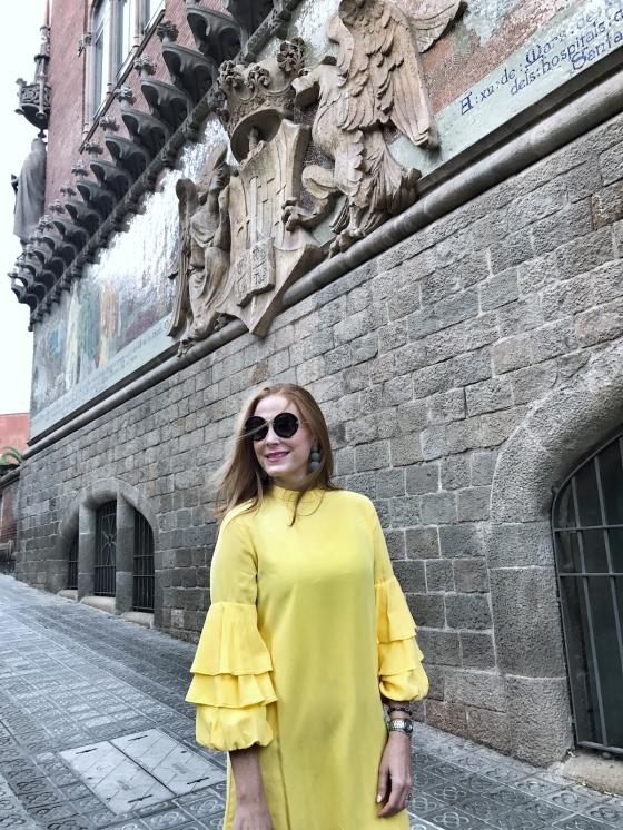 Vestido-amarillo-y-mangasabullonadas