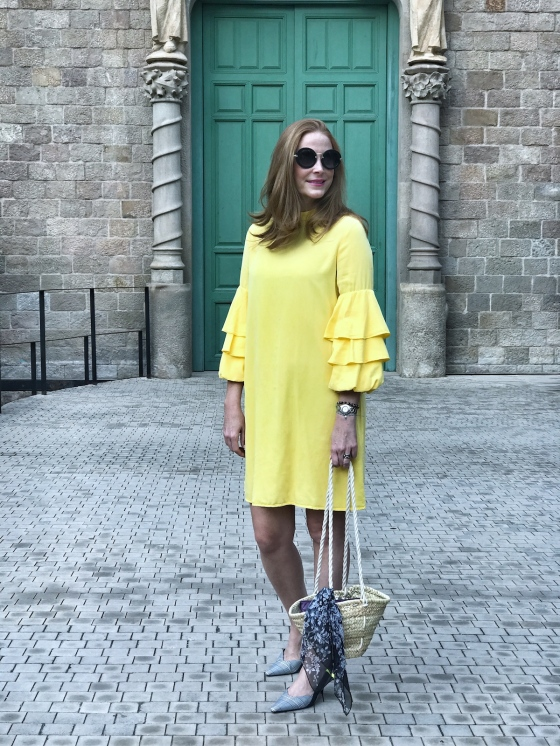 Yellow-dress-and-checked-heels
