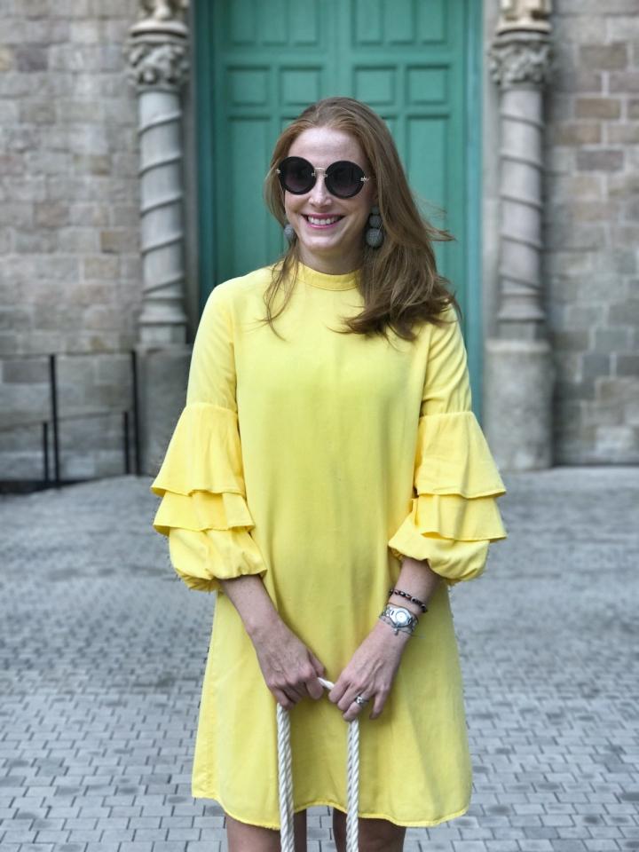 yellow-dress-look