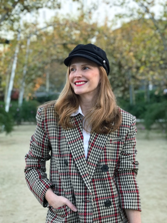 sailor-cap-and-checked-blazer-look