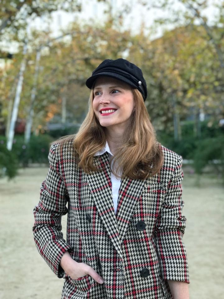 sailor-cap-and-checked-blazer-look
