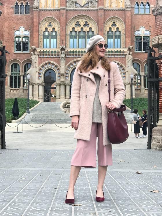 Look-con-abrigo-rosa