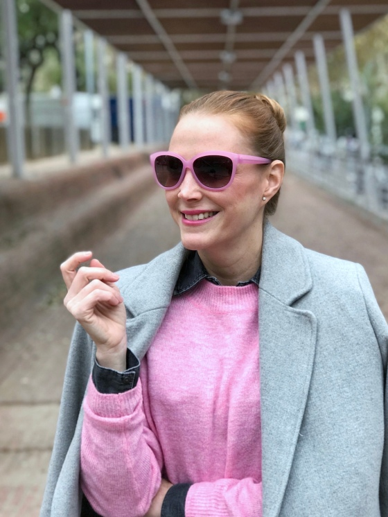 pink-sunnies-look