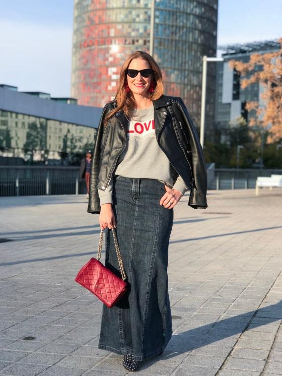 long-skirt-and-hoodie-look