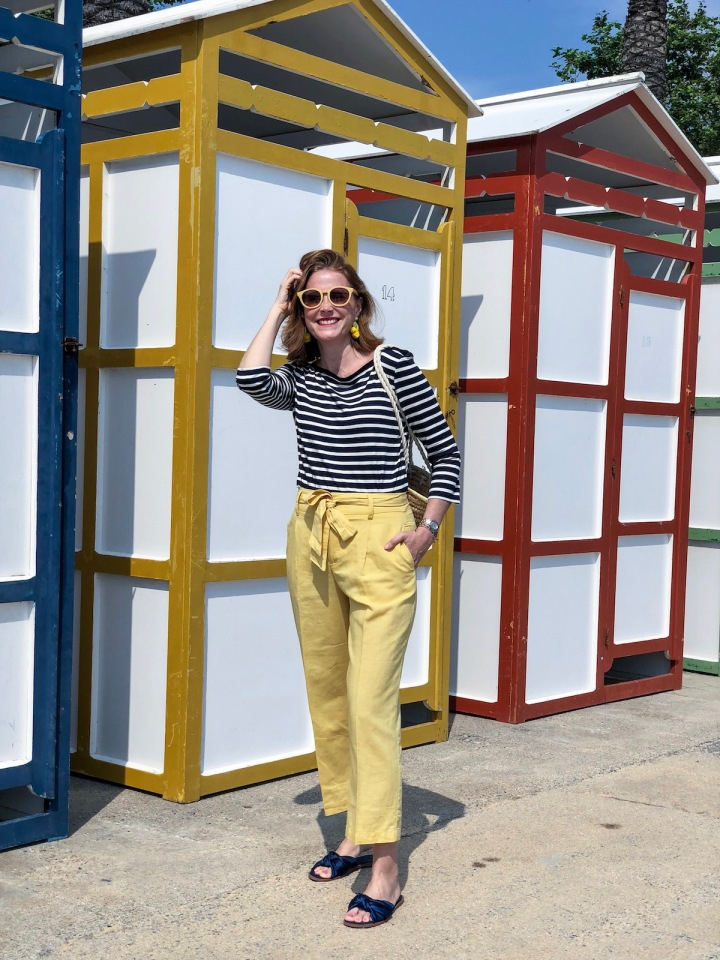 Look-camisa-marinera-culottes-amarillos