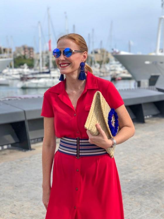 look vestido rojo camisero