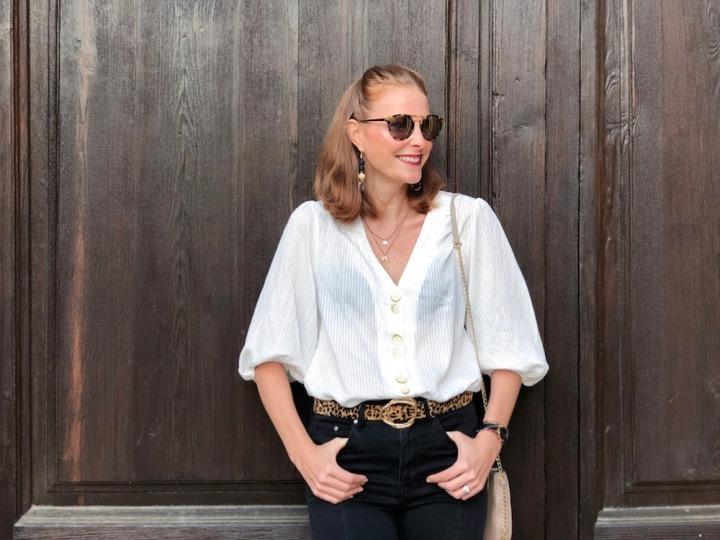 Puff-sleeves-blouse-look