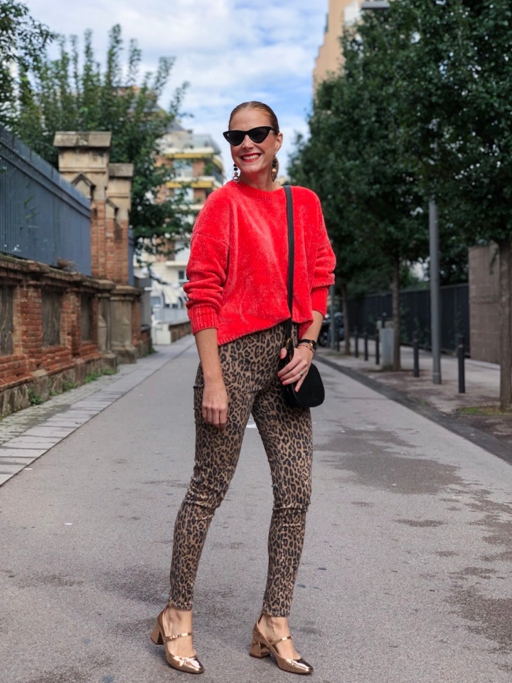 Colourvibes-look-with-leopard-print-pants