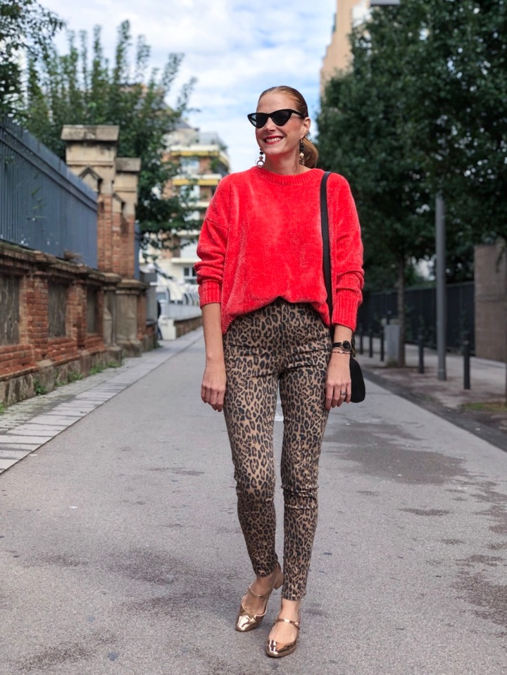 orange-sweater-and-leopard-print-look