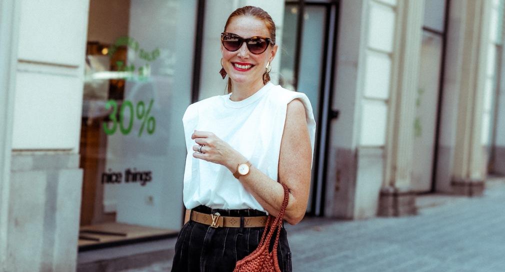 white-shoulder-pads-tshirt